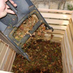 Zahradní zemina potřebuje kompost